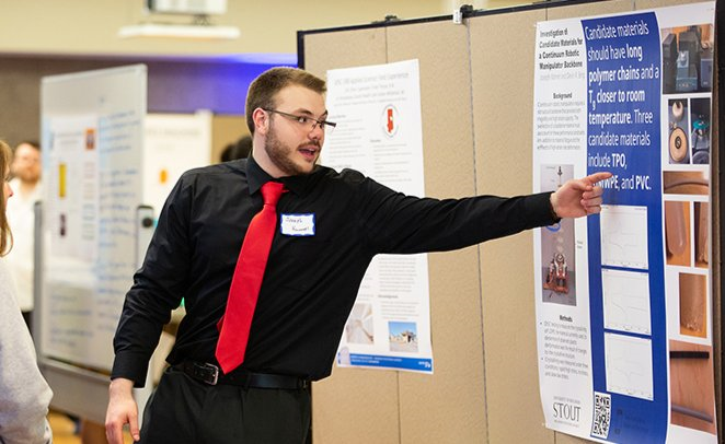 Student presenting research at 2019 Research Day
